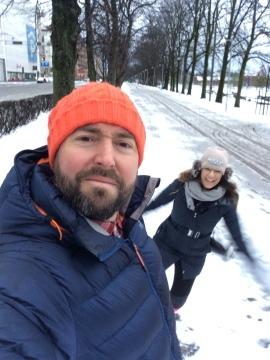 Snow photo bomb!